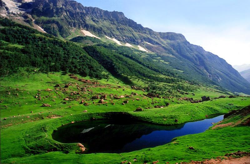 Ansu Lake - Image: http://www.opf.org.pk/home/photos/1.html