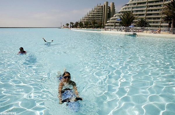 The largest swimming pool on earth