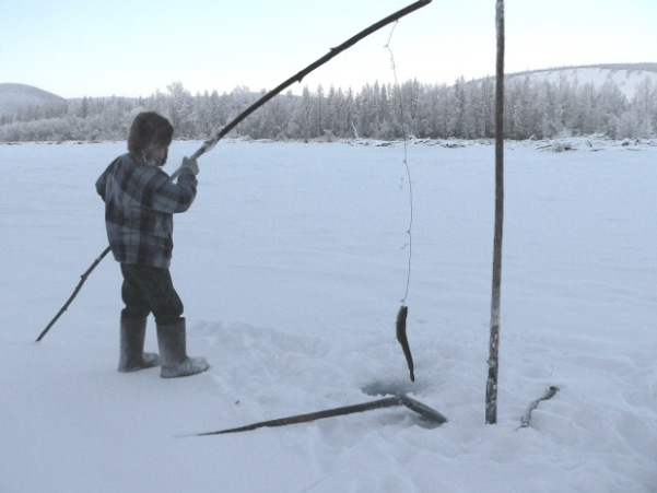 Oymyakon a village where people live at 51 celsius for People catching fish