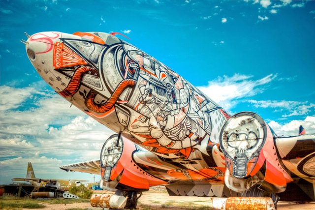 Artists give new life to abondoned planes (12)