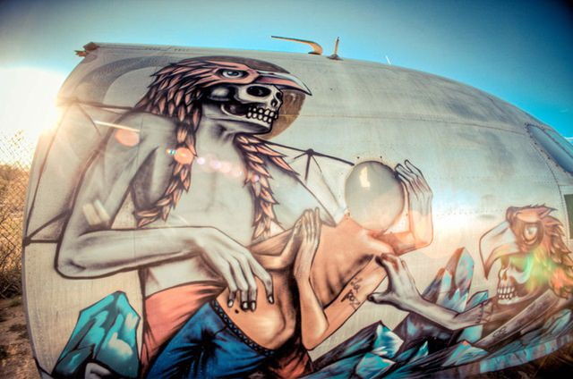 Artists give new life to abondoned planes (5)