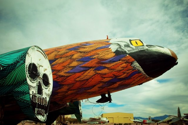 Artists give new life to abondoned planes (8)