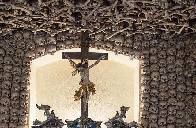 chapel made of skull _3