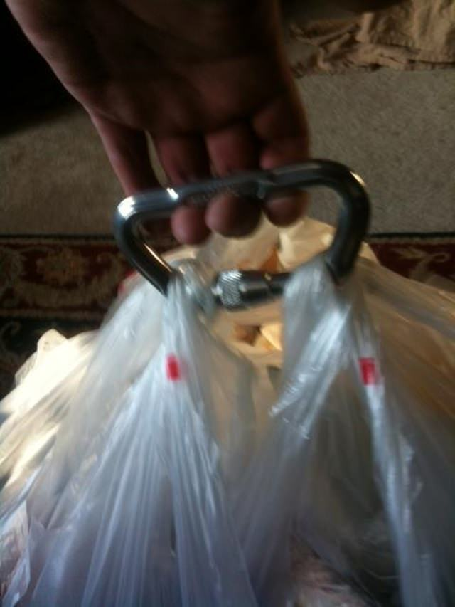 Grip Multiple Grocery Bags Like This