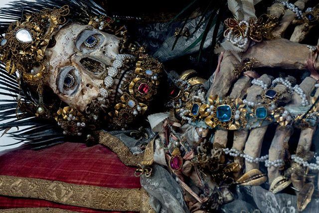 skeletons with ornaments  (3)