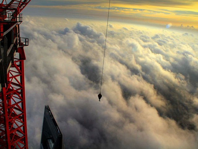 crane-operator-wei-genshen-photos-of-shanghai-from-above-13