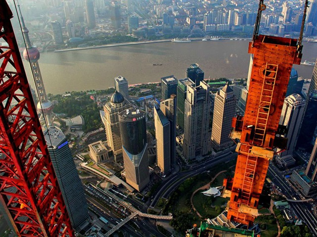 crane-operator-wei-genshen-photos-of-shanghai-from-above-9