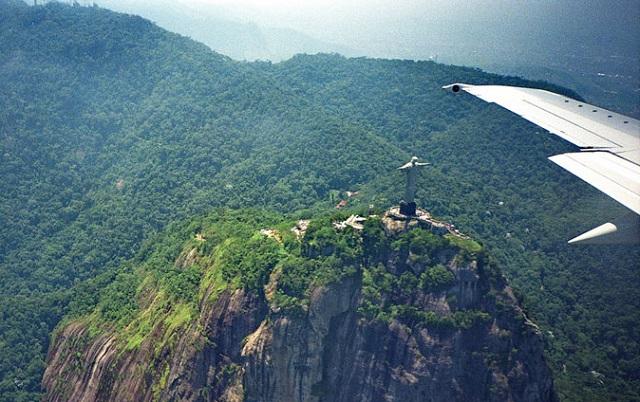 16_christ-the-redeemer-from-an-airplane-window-rio-de-janeiro-brazil