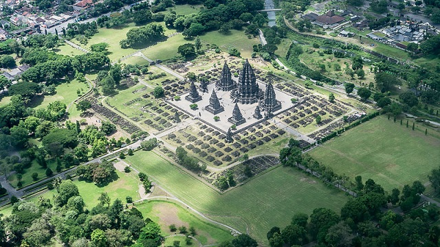 8_prambanan-temple-aerial-from-an-airplane