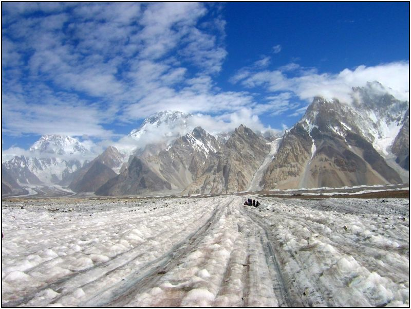Godwin Austen, Baltistan District Northern Areas Pakistan. Image: https://www.flickr.com/photos/tree_elf/331222000/
