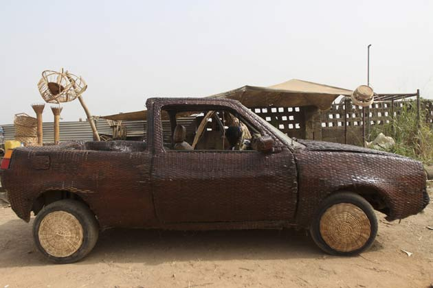 hand-woven Car (9)