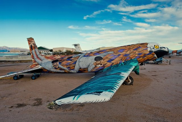 Artists give new life to abondoned planes (7)