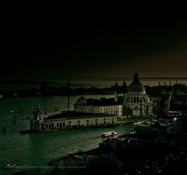Venice in Darkness (6)