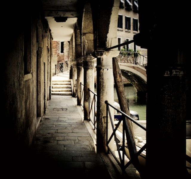 Venice in Darkness (7)