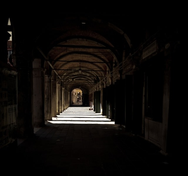 Venice in Darkness (9)