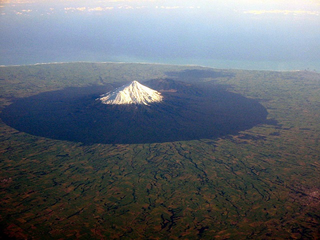 10_mount-taranaki-volcano-from-an-airplane-aerial-from-above